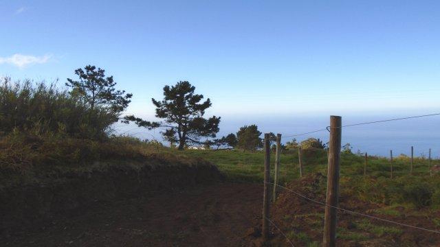 Picos, Prazeres, Land